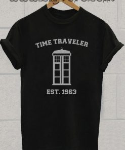 robot dalks science fiction tardis Tshirt